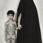 Shirin Neshat, Senza titolo, 1996, gelatin silver print, 149x107, Collezione Pierluigi e Natalina Remotti
