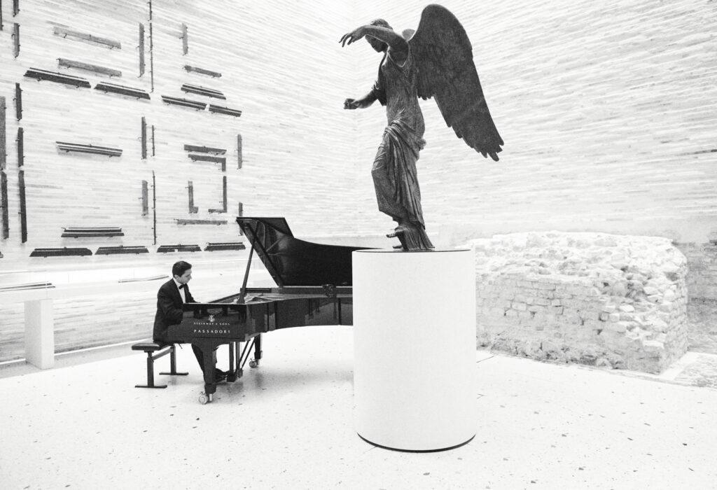 'Alexander Romanovsky' di Giovanni Gastel, 2020