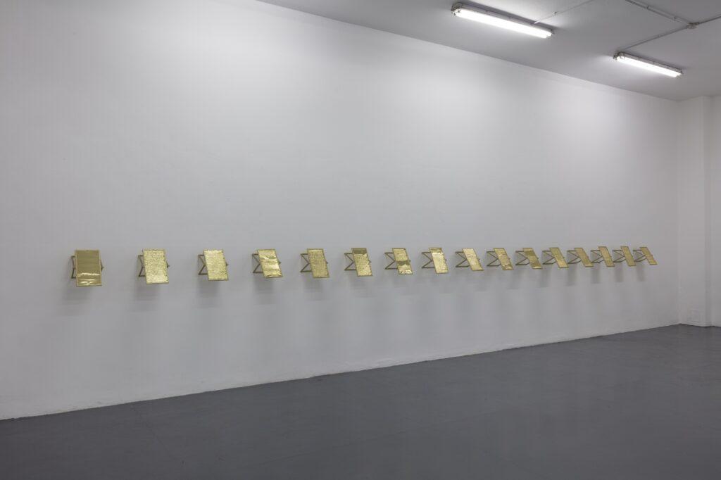 Gianni Moretti, Studio sulla memoria, 2021, impressione a secco su lastra di ottone, 29x18,5 cm, courtesy the artist and Galleria Giampaolo Abbondio